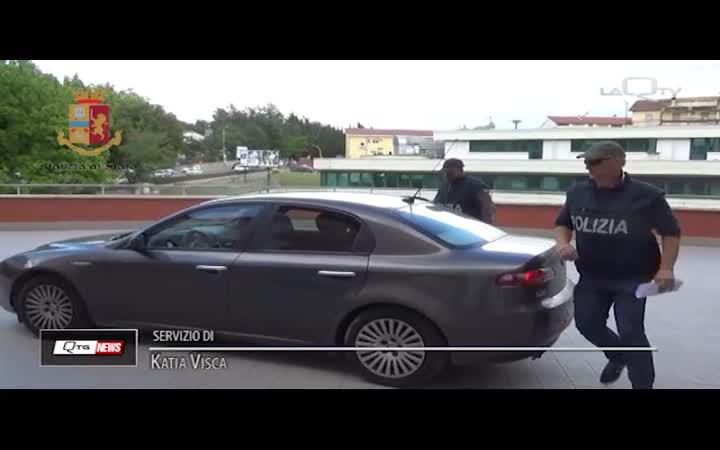POLIZIA AQ: ARRESTATO PRIMA CHE FUGGISSE
