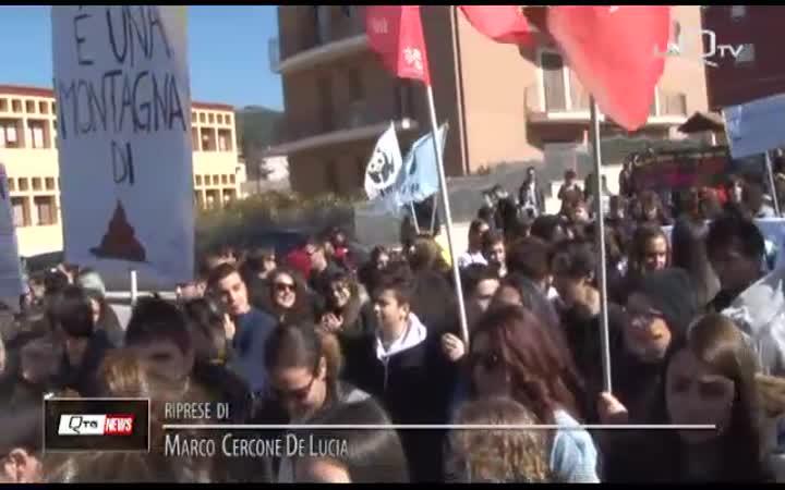 AQ, CORTEO IN RICORDO DELLE VITTIME DI MAFIA