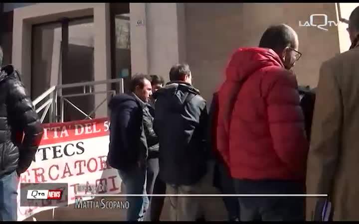 EX-INTECS: PRESIDIO DEI LAVORATORI DAVANTI LA SEDE INPS DELL'AQUILA