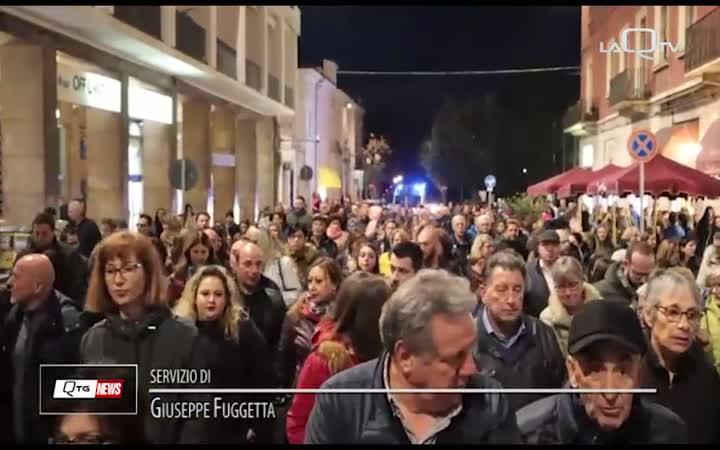 """""""SIMONE ILLUMINA LA CITTA'"""", FIUME DI GENTE A SULMONA"""